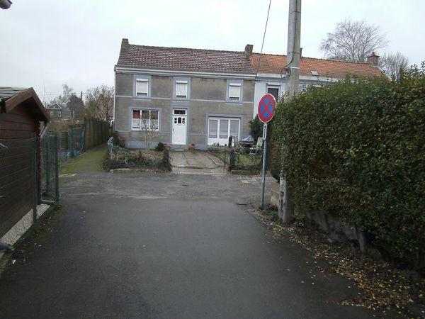 PICT0034 venelle-rue-destree-3-5-godarville panneaux-e-3-su