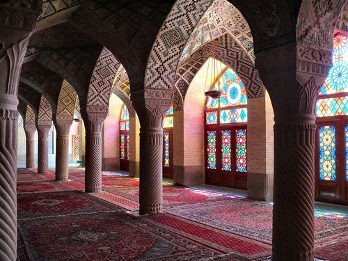 multicolored-muslim-praying-room.jpg