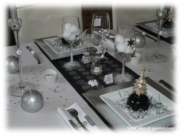 table paillettes et orchid es pour le r veillon du nouvel an table d co et gourmandises. Black Bedroom Furniture Sets. Home Design Ideas