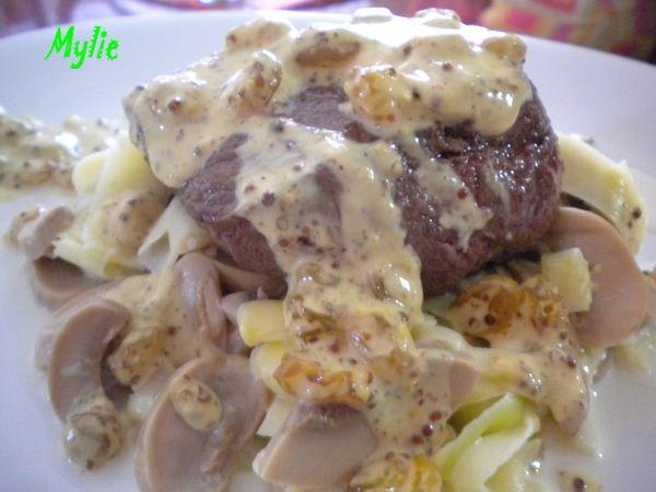 pavé boeuf raisins, tagliatelles courgettes champignons 3