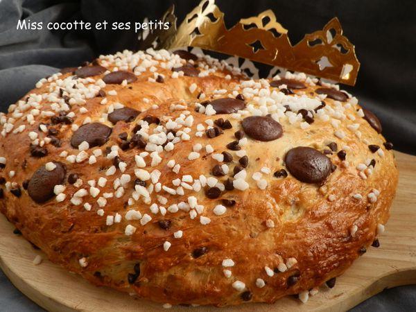 brioche-des-rois-aux-noisettes-et-pepites-de-chocolat--8-.JPG