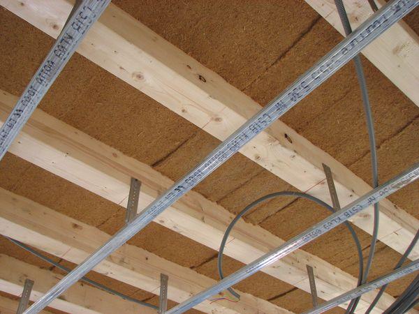 Laine de bois construction d 39 une maison ossature bois bbc - Dephasage laine de bois ...