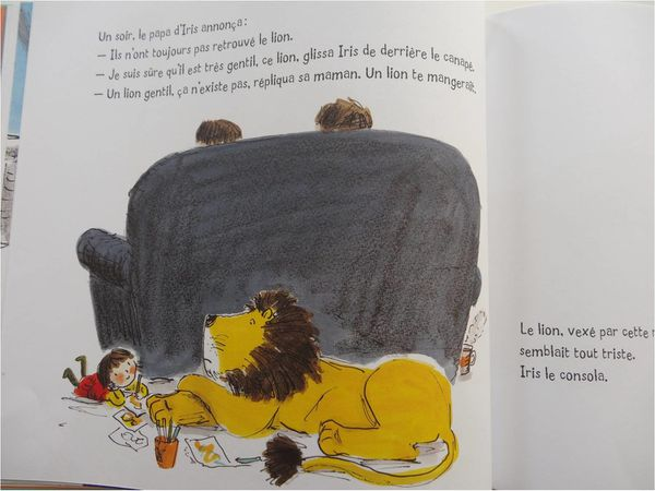 comment-cacher-un-lion-derriere-le-canape.jpg