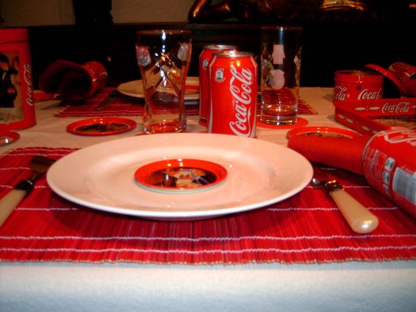 table-coca-cola-007.jpg