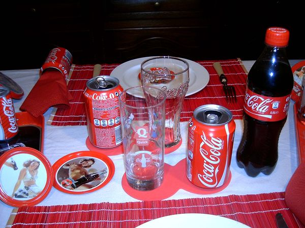table-coca-cola-012.jpg