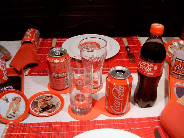 table-coca-cola-015.jpg