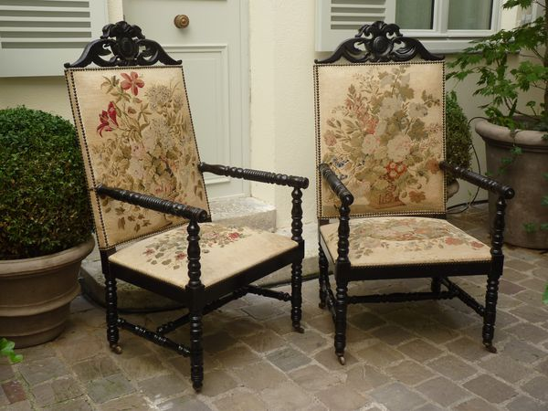 fauteuils napoleon III bois noirci tapisserie