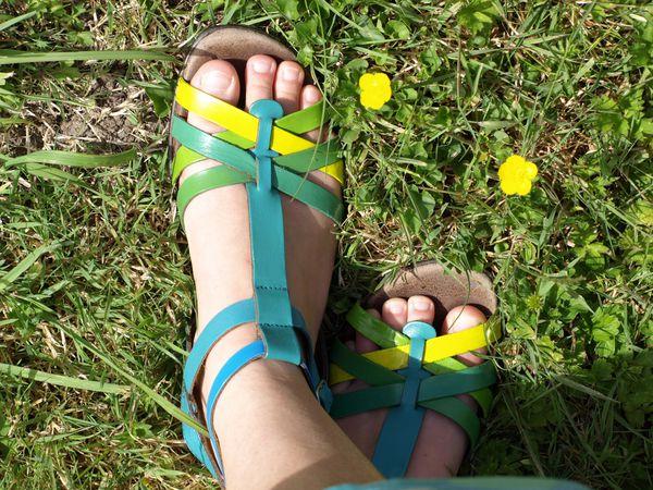 diy-sandale-peinture-cuir-angelus-3-copie-1.jpg