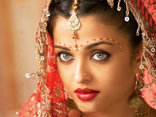 Miss-World-Indian-Actress-Aishwarya-Rai-Bachchan--09.jpg