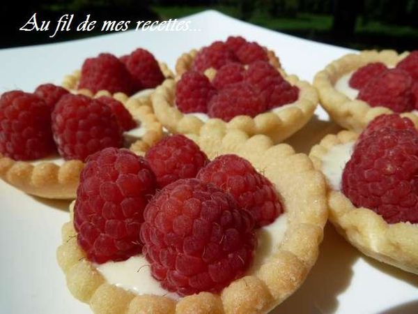 mini tartelettes chocolat blanc framboises au fil de mes recettes. Black Bedroom Furniture Sets. Home Design Ideas