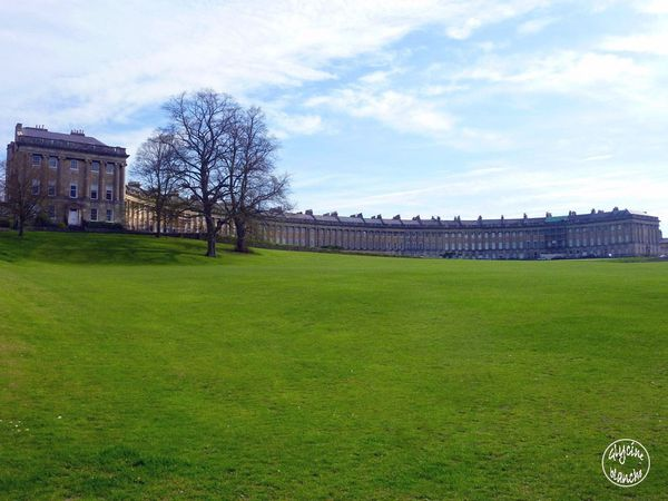 Royal-crescent-1--1600x1200-.jpg