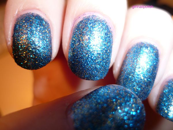 OPI absolutely alice 3