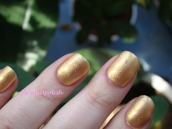 chanel goldfingers3