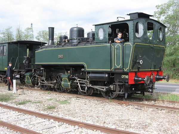 800px-Mallet_locomotive_green.jpg