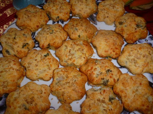 Scones-fromages--oignons--carottes-persil--3-.JPG