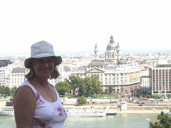 Budapest-1-septembre-vue-sur-Pest-du-chateau.jpg