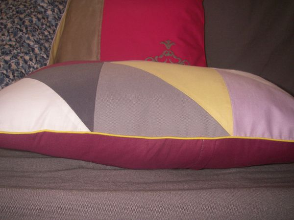 coussin-triangle-003.JPG