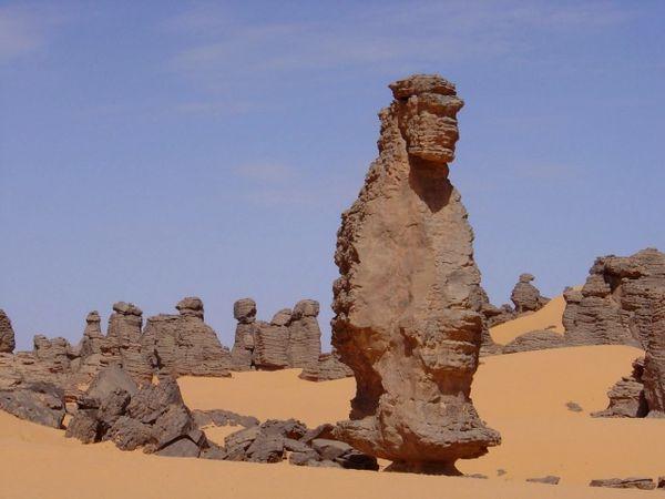 Les-rochers-en-file-indienne.jpg
