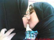 lesb-hijab.jpg