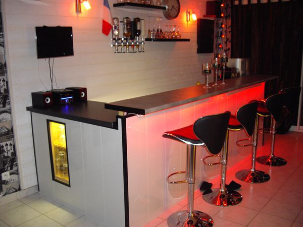 un bar chez soi voici ma derni re cr ation le blog de nordsade services. Black Bedroom Furniture Sets. Home Design Ideas