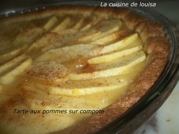 tarte aux pommes sur compote blogs de cuisine. Black Bedroom Furniture Sets. Home Design Ideas