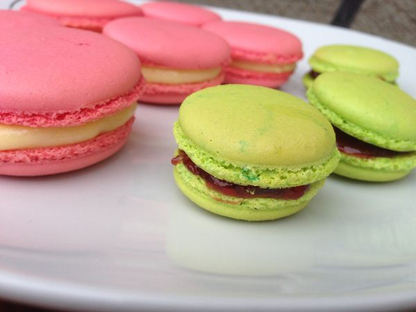 macarons-rose-et-vert.JPG