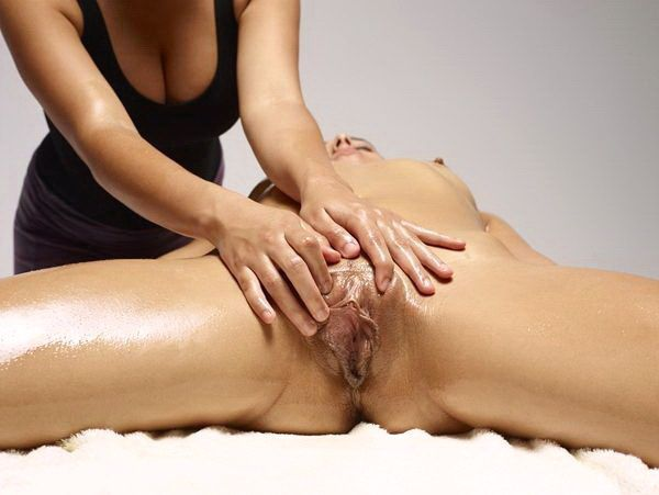 massage erotique a  mains Stains
