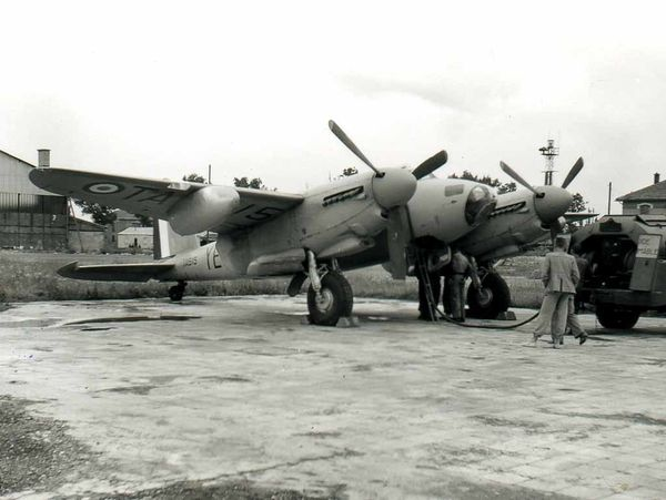 Photo 4 DH Mosquito EZZANO-01 D Gilberti