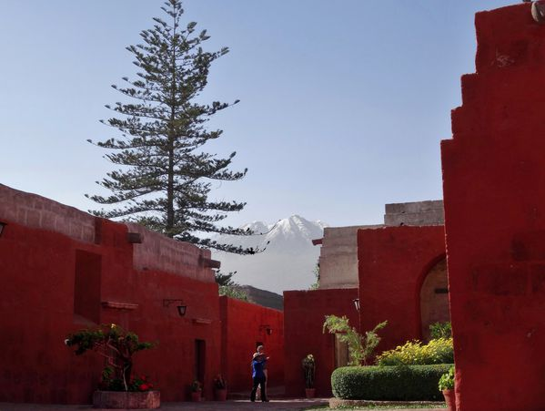 Arequipa-couvent-Santa-Catalina-volcan.jpg