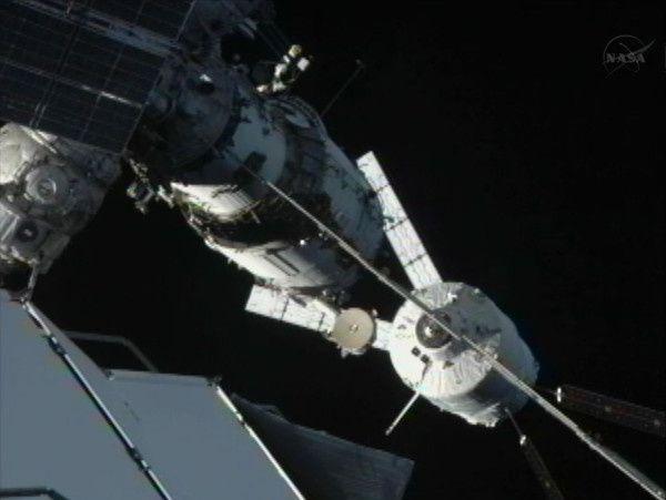 ATV-3---docking---22h26---S41---11m.jpg