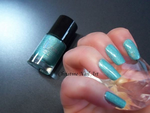 Catrice Luxury Lacquers Limited edition Holomania -copie-4