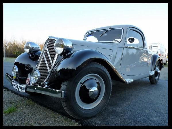 Citroen Traction coupé 1935 12è Rétro Noël 001