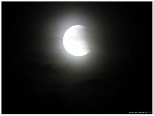 eclipse-de-lune-juin-2011-5-.jpg