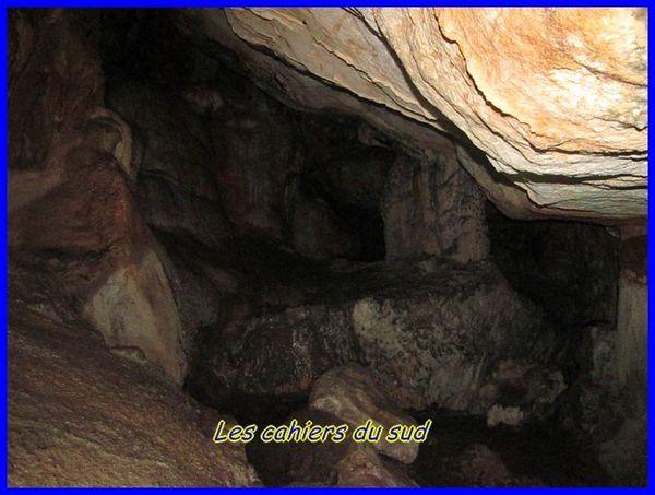 les-4-grottes-du-rocher-st-michel 1152 [640x480]