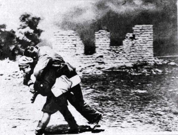 20.(1942-1943-Bataille de Stalingrad) Infirmière militaire
