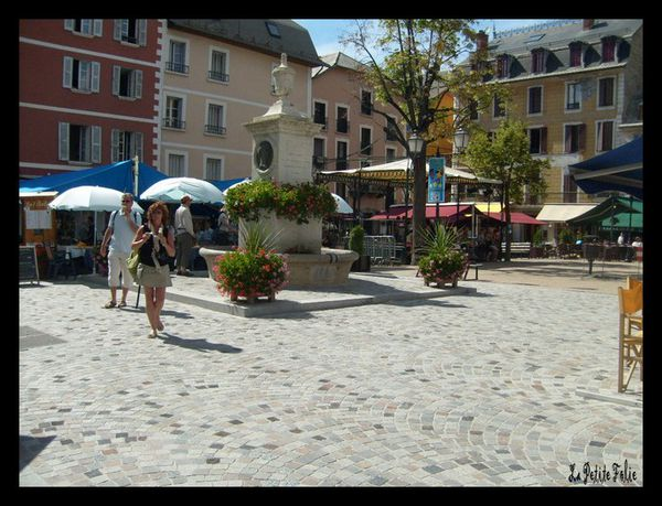 Barcelonnette rue manuel office de tourisme place manuel les villas barcelonnette - Office tourisme barcelonette ...