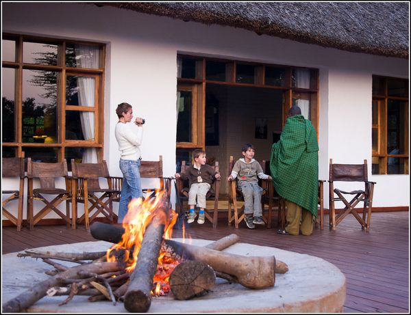 185 Famille au Ngorongoro farm house