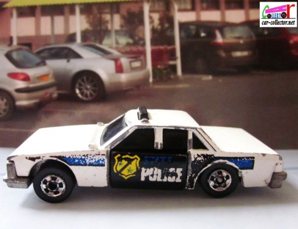 crash-patrol-police-hot-wheels-crackups (6)