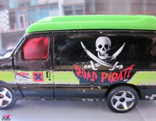 ford-econoline-road-pirate-majorette (2)