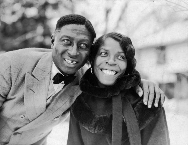 Huddie_Ledbetter_-Leadbelly-_and_Martha_Promise_Ledbetter-_.jpg