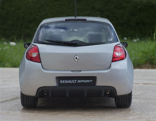 RENAULT CLIO RS3 COUPE GRIS SOLIDO19