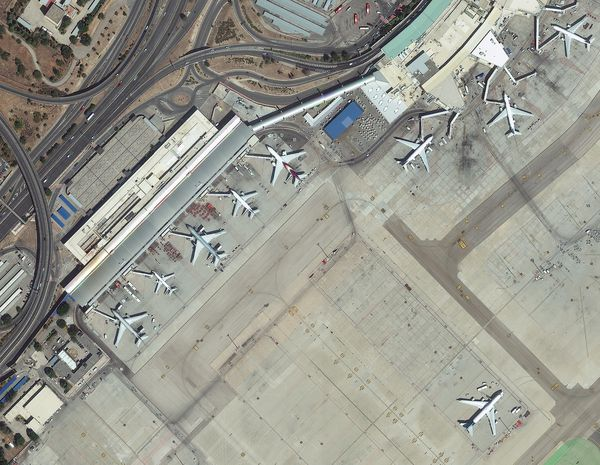 DigitalGlobe - Worldview-3 - Images aéroport Madrid - Premières images - First images