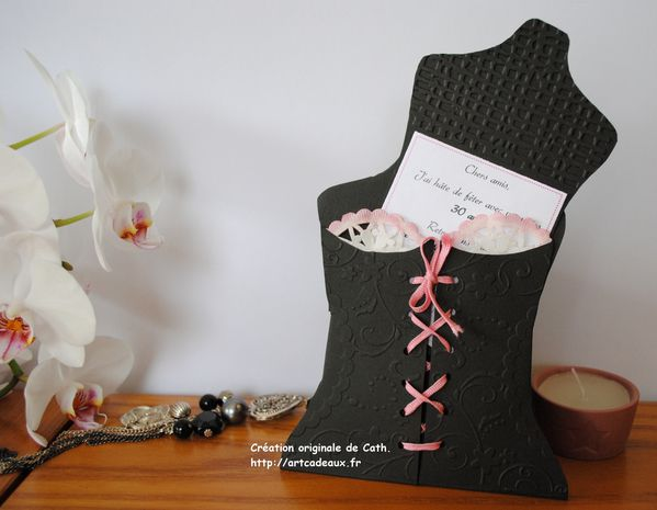 carte-bustier-tag-souleve-copyright.jpg