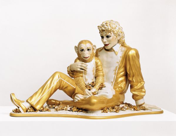 michael-jackson-and-bubbles-by-jeff-koons-on-display-in-ver.jpg