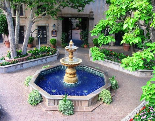 Tlaquepaque-fountain-Sedona-Arizona-parousie.over-blog.fr.jpg