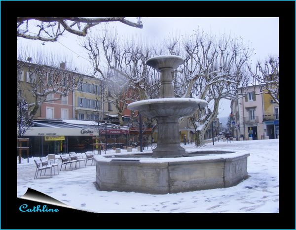 fontaine place Montfort