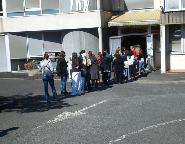 Queue devant Vitalis Northampton