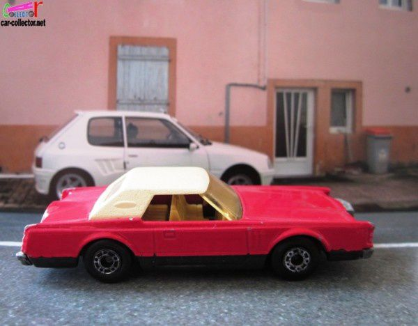lincoln-continental-mk5-matchbox-lesney-1979 (1)