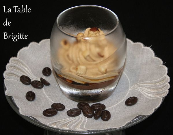 Verrine-de-cafe--sauce-choc.jpg