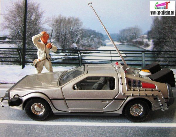 delorean corgi back to the futur professeur emmett brown (1